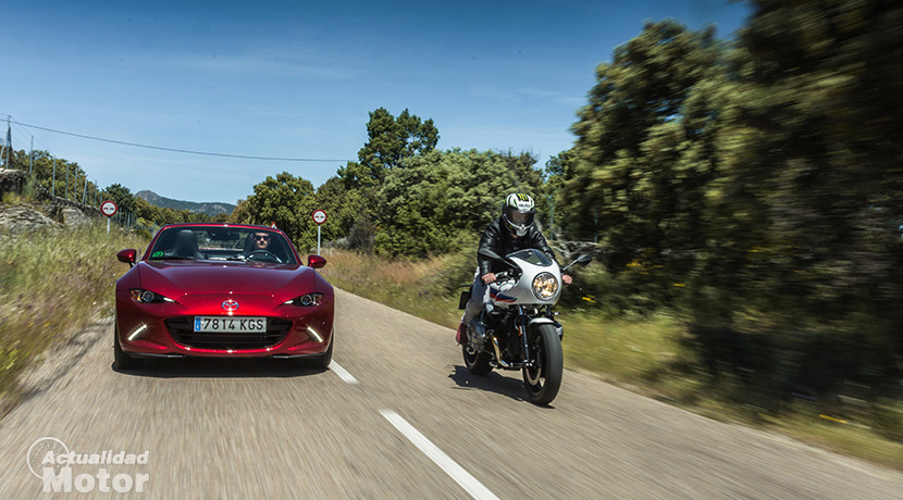 Comparison of Mazda MX-5 and BMW R nineT Racer